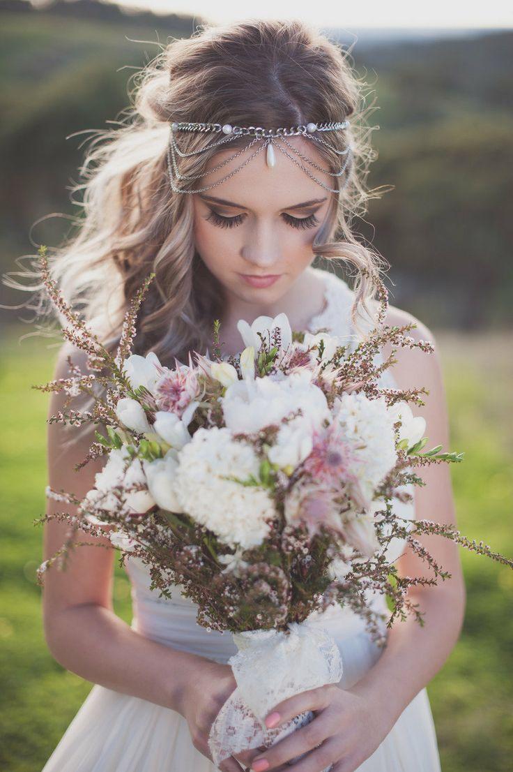 Gelin Saçında Çiçek Modelleri Nasıl Yapılır