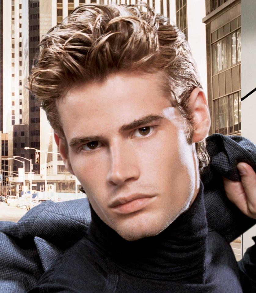 Erkeklerde Dalgalı Saç Modelleri